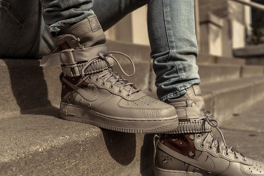 Nike Wmns Special Field Air Force 1